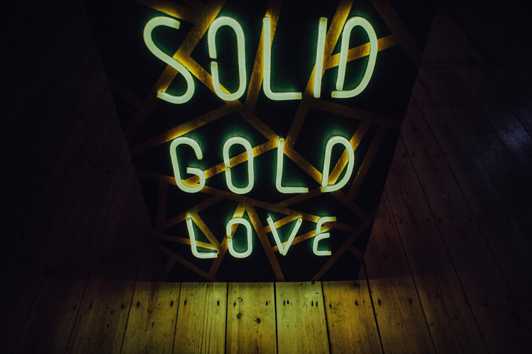 Neon Sign Festoons Gold Sequin City Party Wedding http://septemberpictures.com/