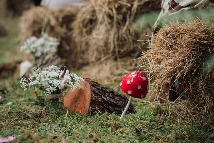 Toadstools Flowers Jar Log Aisle Decor Enchanting Ancient Forest Wedding http://donnamurrayphotography.com/