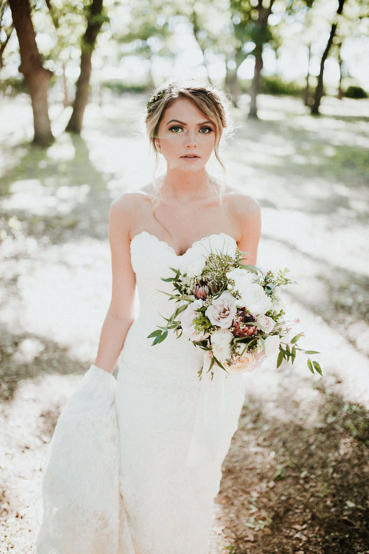 Outdoor Rustic Boho Forest Sweetheart Dress Romantic Blush Bouquet | Organic Earthy Fun Wedding Oklahoma http://zaynewilliams.com/