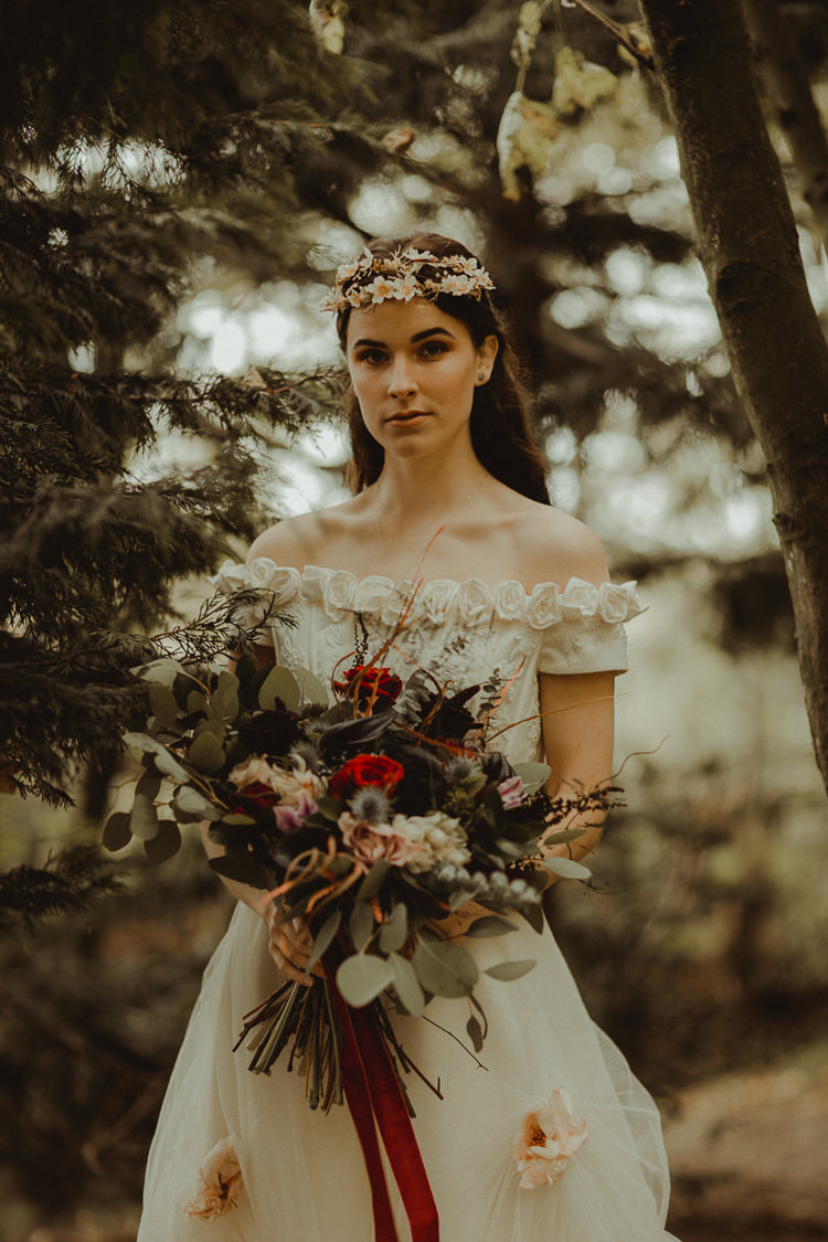 Bouquet Flowers Bride Bridal Wild Natural Black Red Greenery Moody Ethereal Winter Woodland Wedding Ideas http://belleartphotography.co.uk/