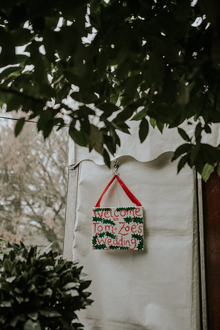 Welcome Sign Holly Traditional Christmas Wedding Red Festive https://lolarosephotography.com/