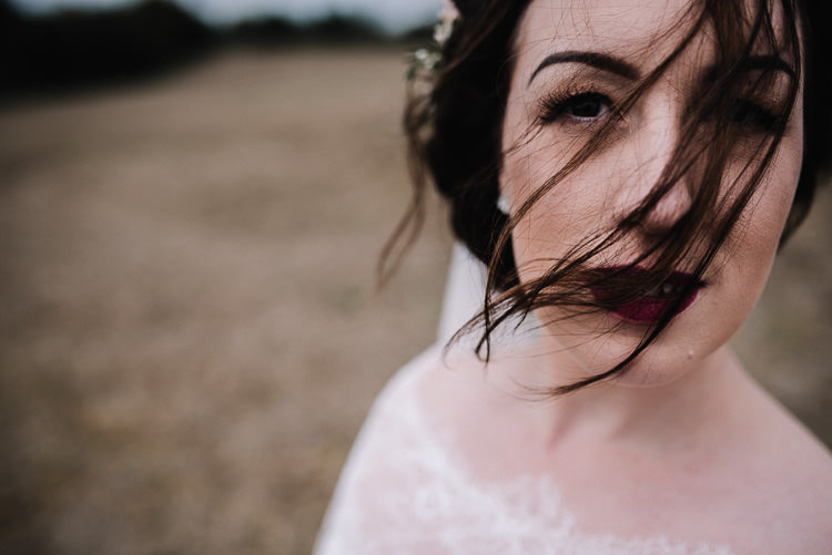 Make Up Beauty Bride Bridal Lips Red Luxe Rustic Autumn Berry Wedding http://www.oobaloosphotography.co.uk/