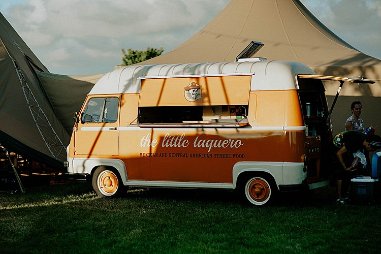 Food Truck Street Mega Laid Back Festival Party Wedding http://www.jessicawilliams.photography/