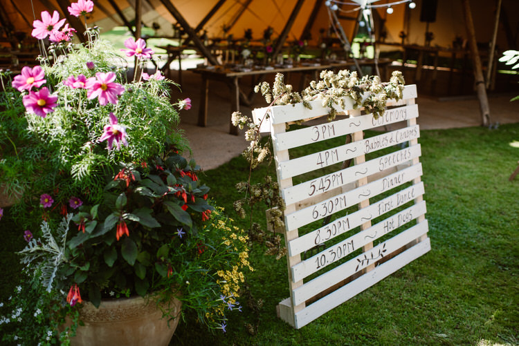 Painted Wooden Pallet Sign Vegan Handfasting Summer Garden Party Wedding https://www.elliegillard.co.uk/