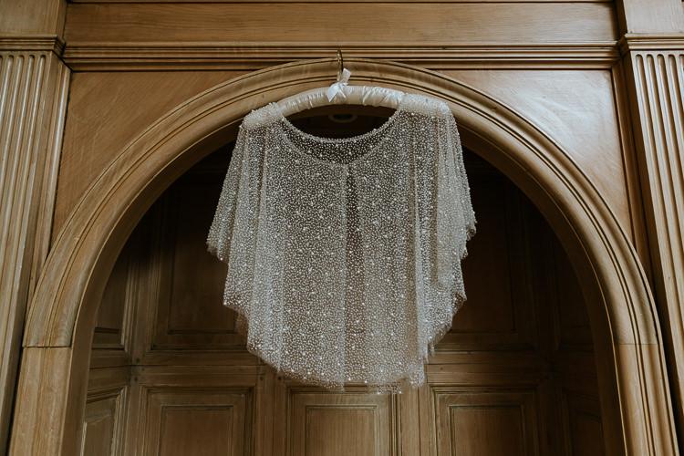 Bride Prep Short Beaded Bridal Cape | Glitter Dinosaurs City Wedding https://struvephotography.co.uk/