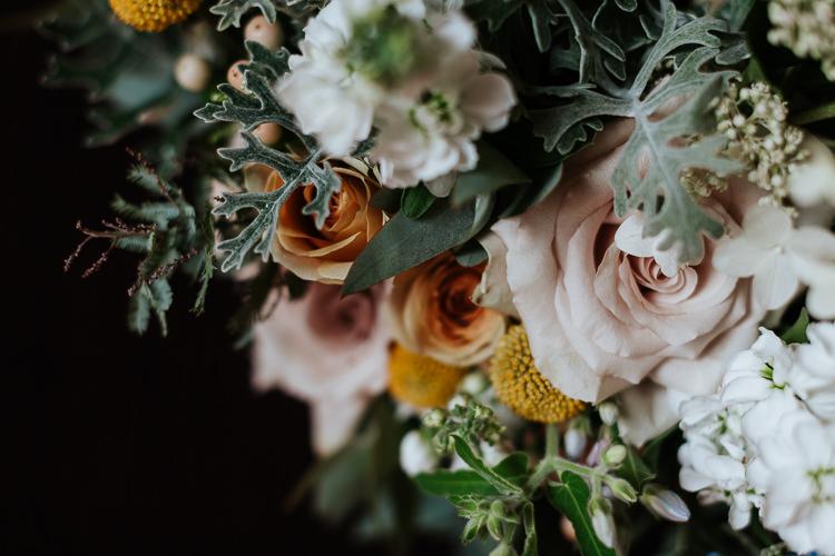 Pastel Wild Flowers Table Decor Arrangement Blush Roses | Glitter Dinosaurs City Wedding https://struvephotography.co.uk/