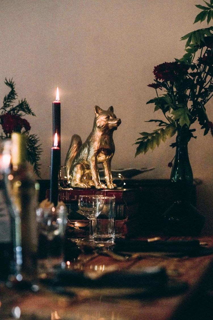 Black Candles Candlesticks Gold Animals Spray Painted Books Vintage Antique Table Setting Opulent Eccentric Berry Gold Wedding https://mattaustinimages.co.uk/