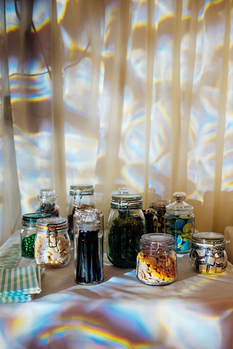 Sweetie Table Jars Stylish Country House Rave Wedding http://www.mariannechua.com/