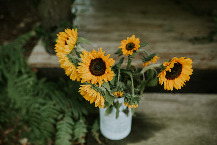 Field Outdoor Garden Hippie Summer Yellow Sunflowers Roses Flowers Arrangement | Happy Outdoor Forest Mustard Yellow Wedding http://suzi-photography.com/