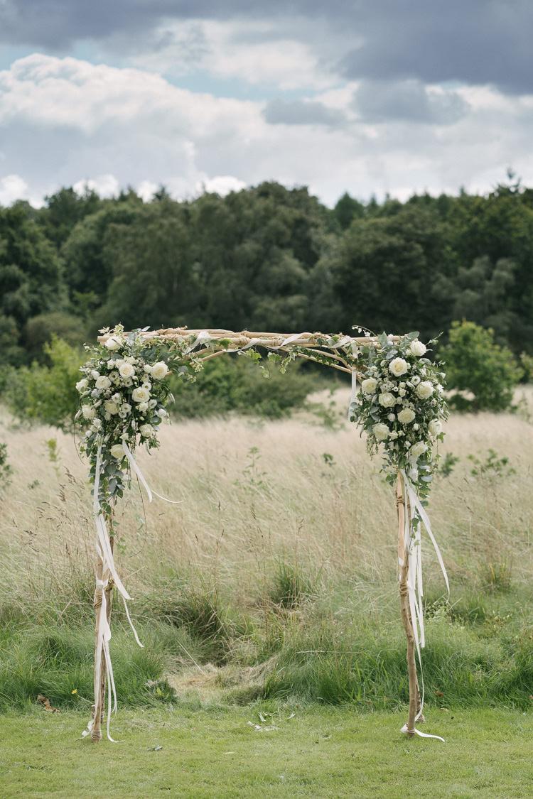 Relaxed Bohemian Summer Meadow Wedding