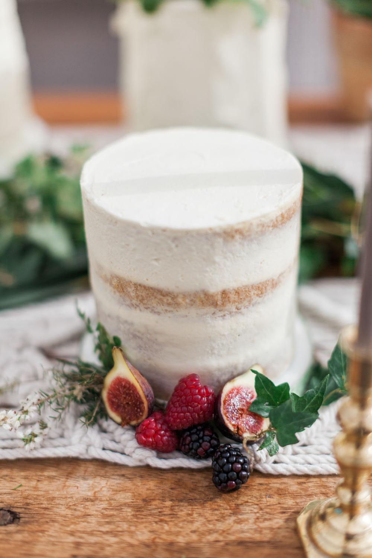 Naked Sponge Cake Layer Semi Buttercream Botanical Macrame Glass House Wedding Ideas Jo Bradbury Photography
