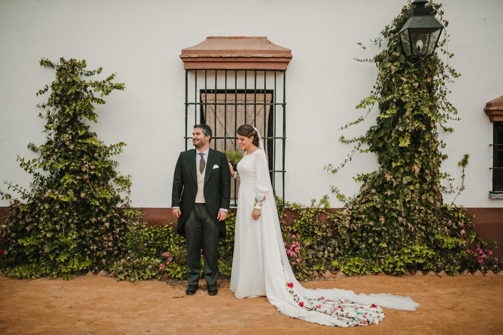 Outdoor Seville Destination Villa Hacienda Bride Groom Colorful Floral Dress | Colorful and Heartfelt Wedding in Spain Boda&Films