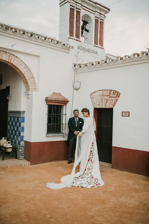 Outdoor Seville Destination Villa Hacienda Bride Groom Portrait | Colorful and Heartfelt Wedding in Spain Boda&Films