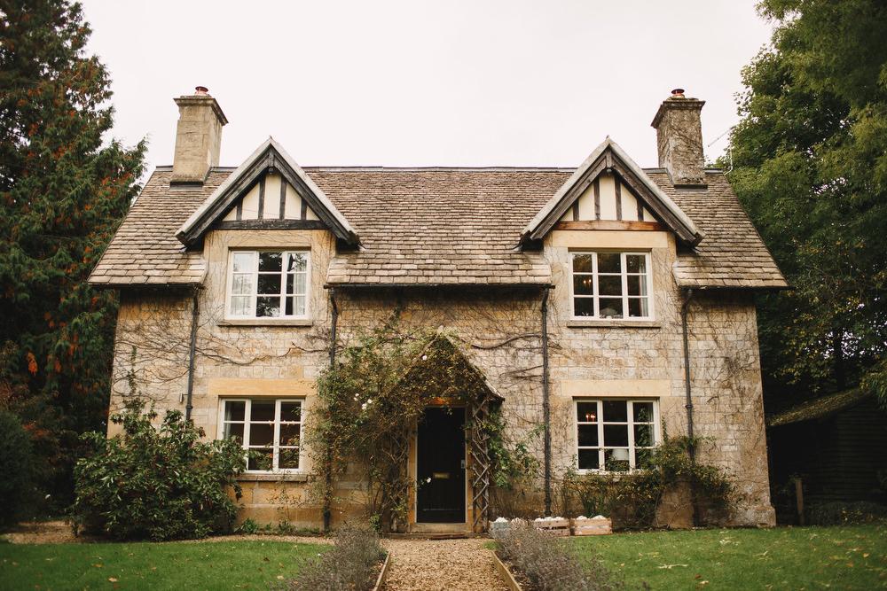 Cotswolds Royal Castle Summer Autumn Elegant Traditional Classic Cottage   Sudeley Castle Wedding ARJ Photography
