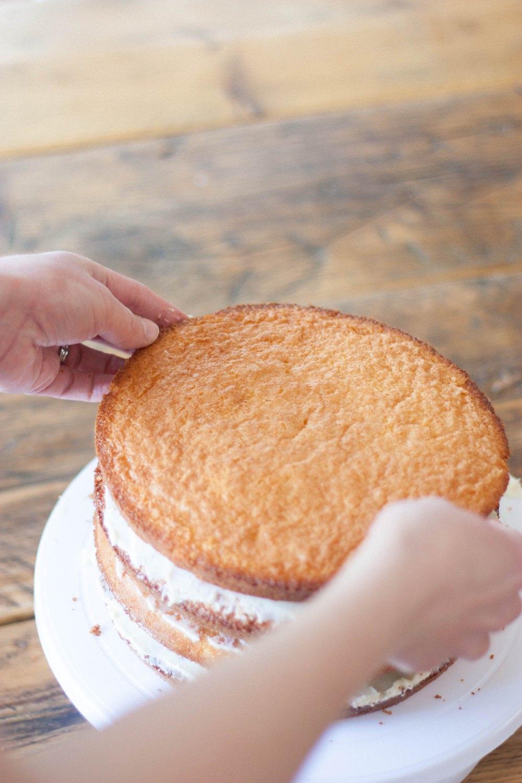 DIY Naked Cake Wedding Tutorial