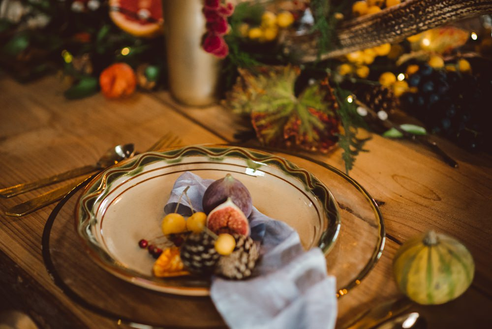 Place Setting Decor Flowers Fruit Pinecones Silk Rustic Christmas Wedding Ideas Dhw Photography