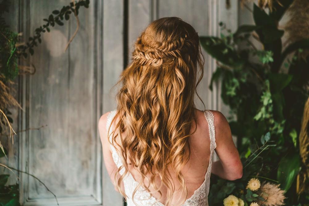 Bride Bridal Hair Waves Plait Braid Style Halo Pampas Grass Wedding Ideas Tim Stephenson Photography