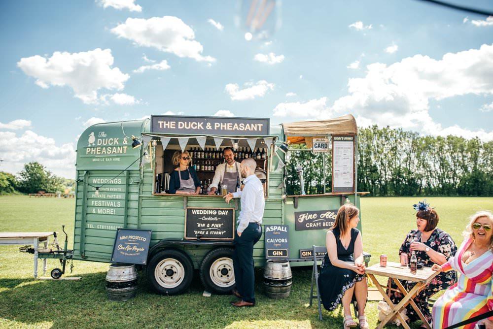 Horse Trailer Truck Van Bar Mobile Outdoor DIY Wedding Three Flowers Photography