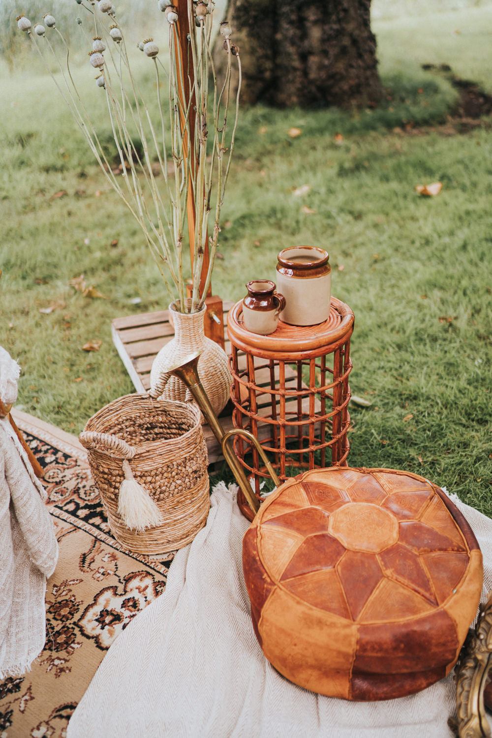 Baskets Decor Poppy Sead Heads Flowers Naked Tipi Wedding Ideas Holly Rose Stones