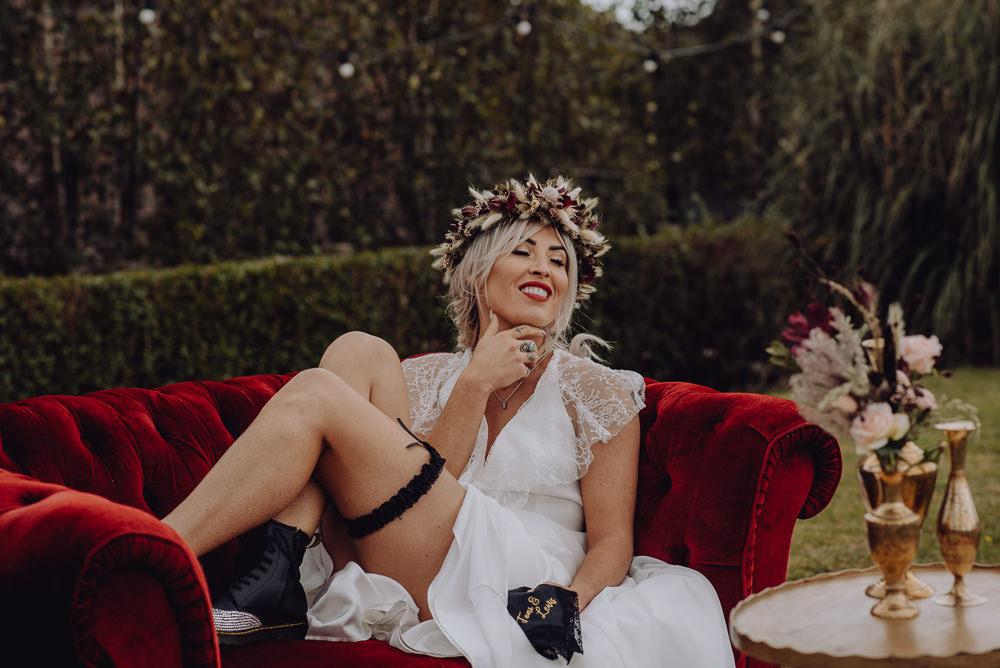 Bride Bridal Garter Unconventional Wedding Ideas Pierra G Photography