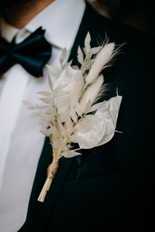 Groom Buttonhole Flowers Grass Grasses Celestial Wedding Ideas Christine Thirdwheeling