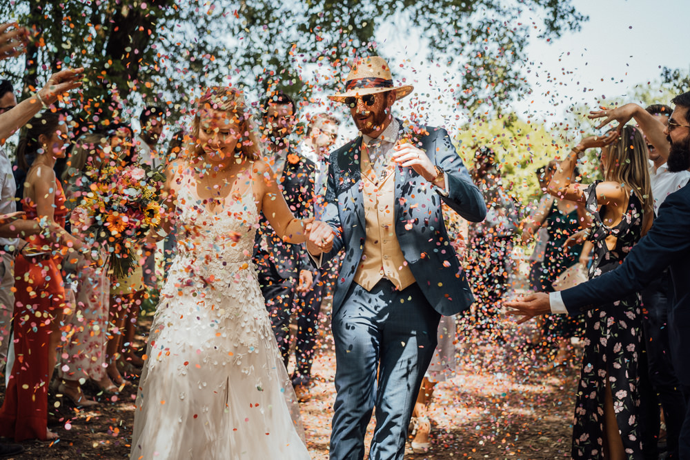 Confetti Throw Chateau de Lacoste Wedding The Shannons Photography