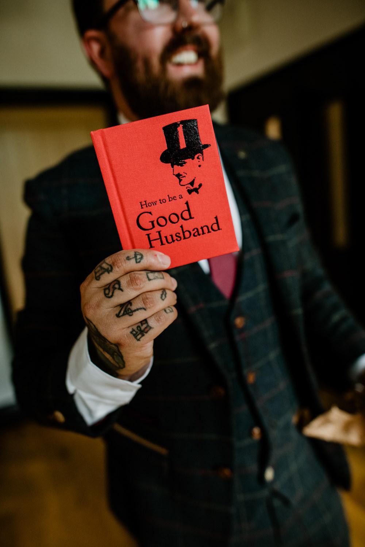 Good Husband Book Gift Present Indie Autumn Wedding Kazooieloki Photography