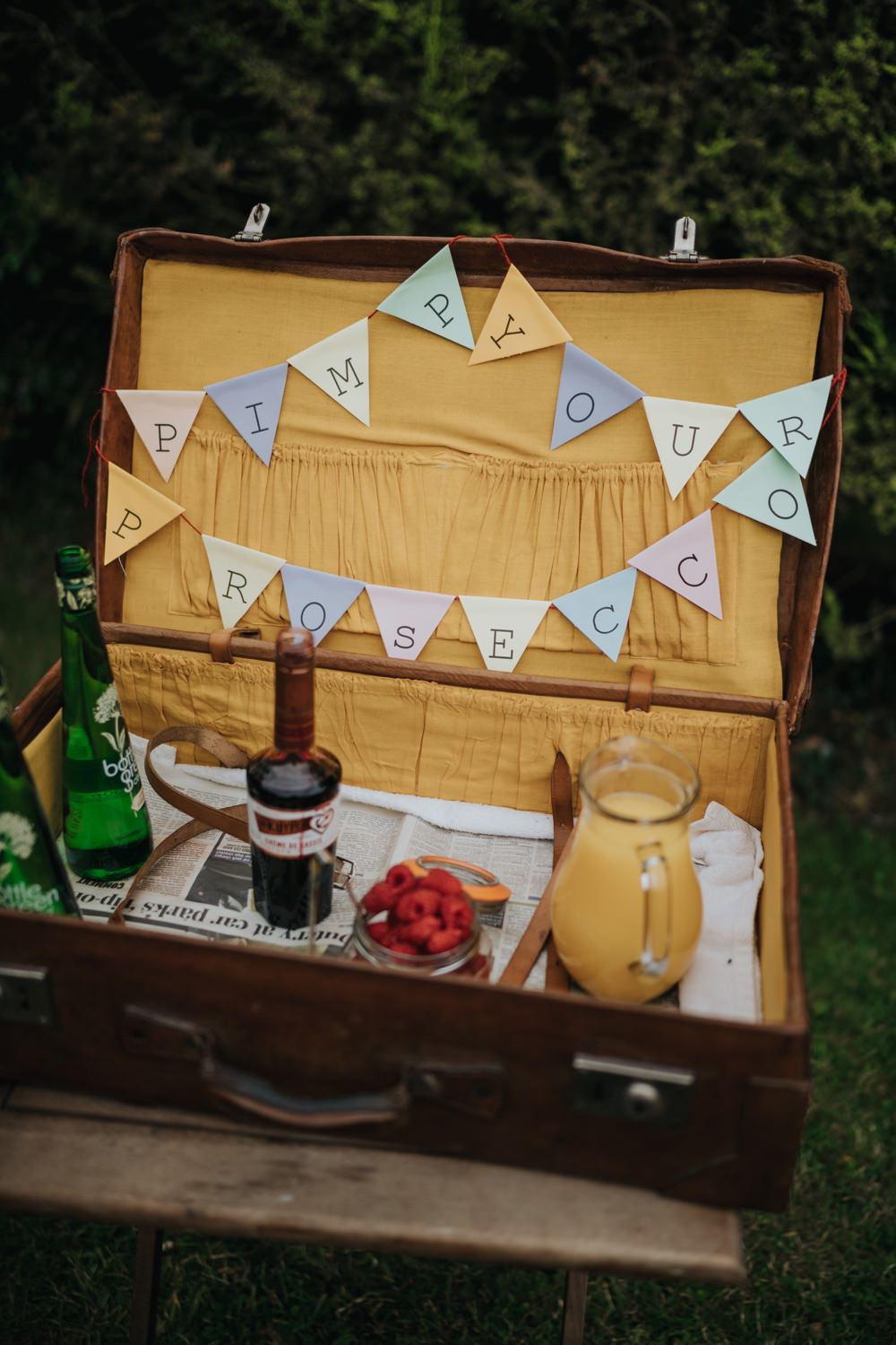 Pimp Your Prosecco Suitcase Drinks Animal Lovers Wedding Bloom Weddings