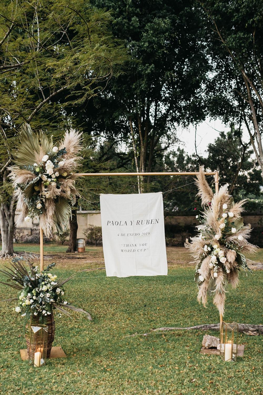 Sign Signs Signage Banner Flowers Frame Guatemala Wedding Daniel Lopez Perez Photography