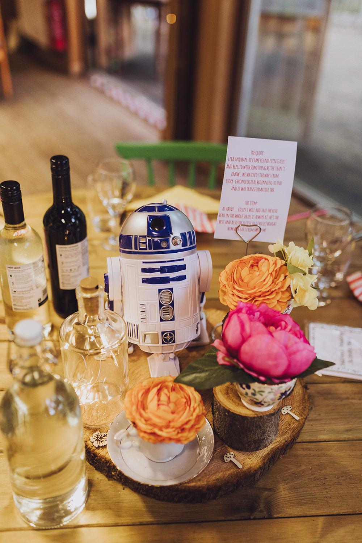 Centrepiece Flowers Log Slice R2D2Treehouse Wedding Honeydew Moments