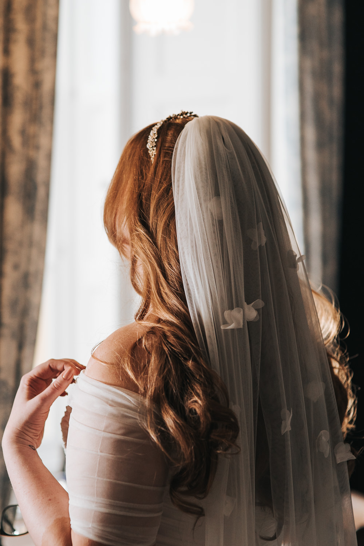 Bride Bridal Veil Petal Long Prestwold Hall Wedding Pear & Bear Photography
