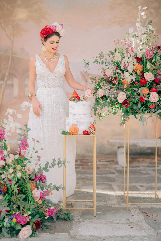 Cake Table Flower Floral Installation Tuscan Wedding Ideas Giuseppe Giovannelli