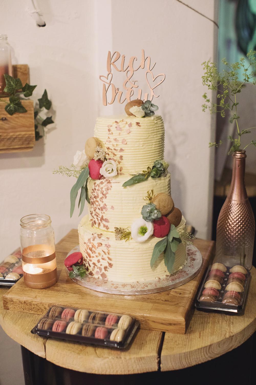 Iced Cake Flowers Floral Hide Sheffield Wedding Sasha Lee Photography