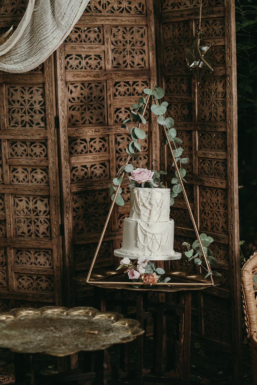 Cake Swing Table Woods Wedding Tom Jeavons Photography