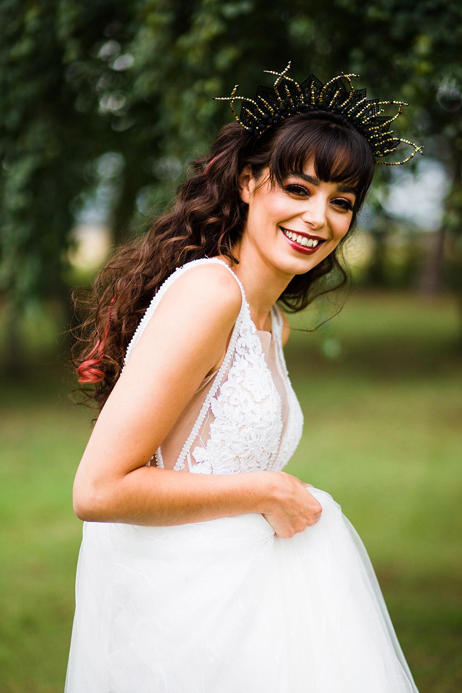 Bride Bridal Make Up Headdress Jungle Wedding Ideas Terri Pashley Photography