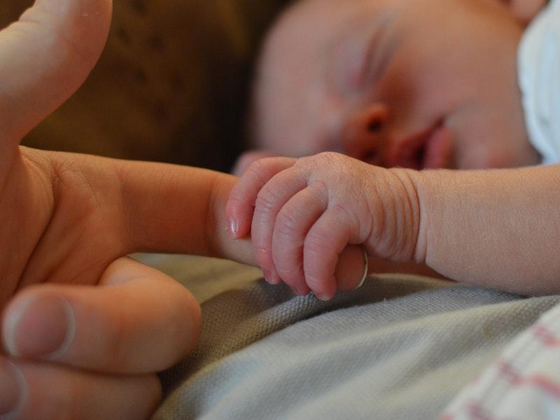 Cara Mengatasi Bayi 1 Bulan Batuk