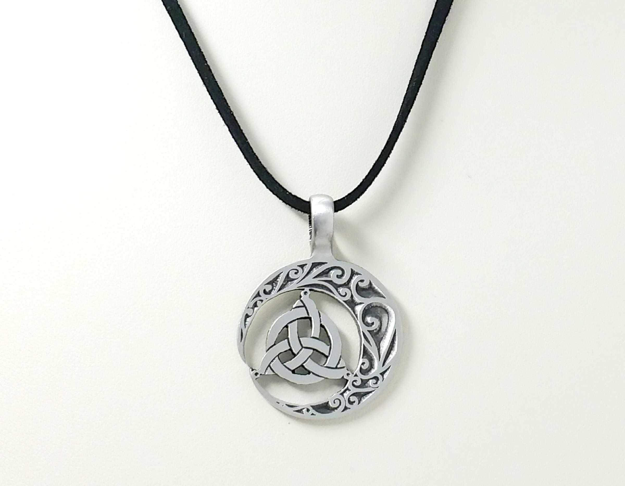 pendant celtic around necklace product the img world jewelry flower