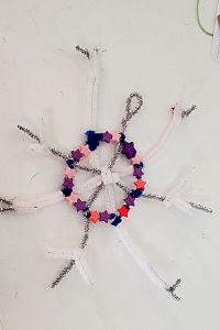 pipecleaner snowflake craft