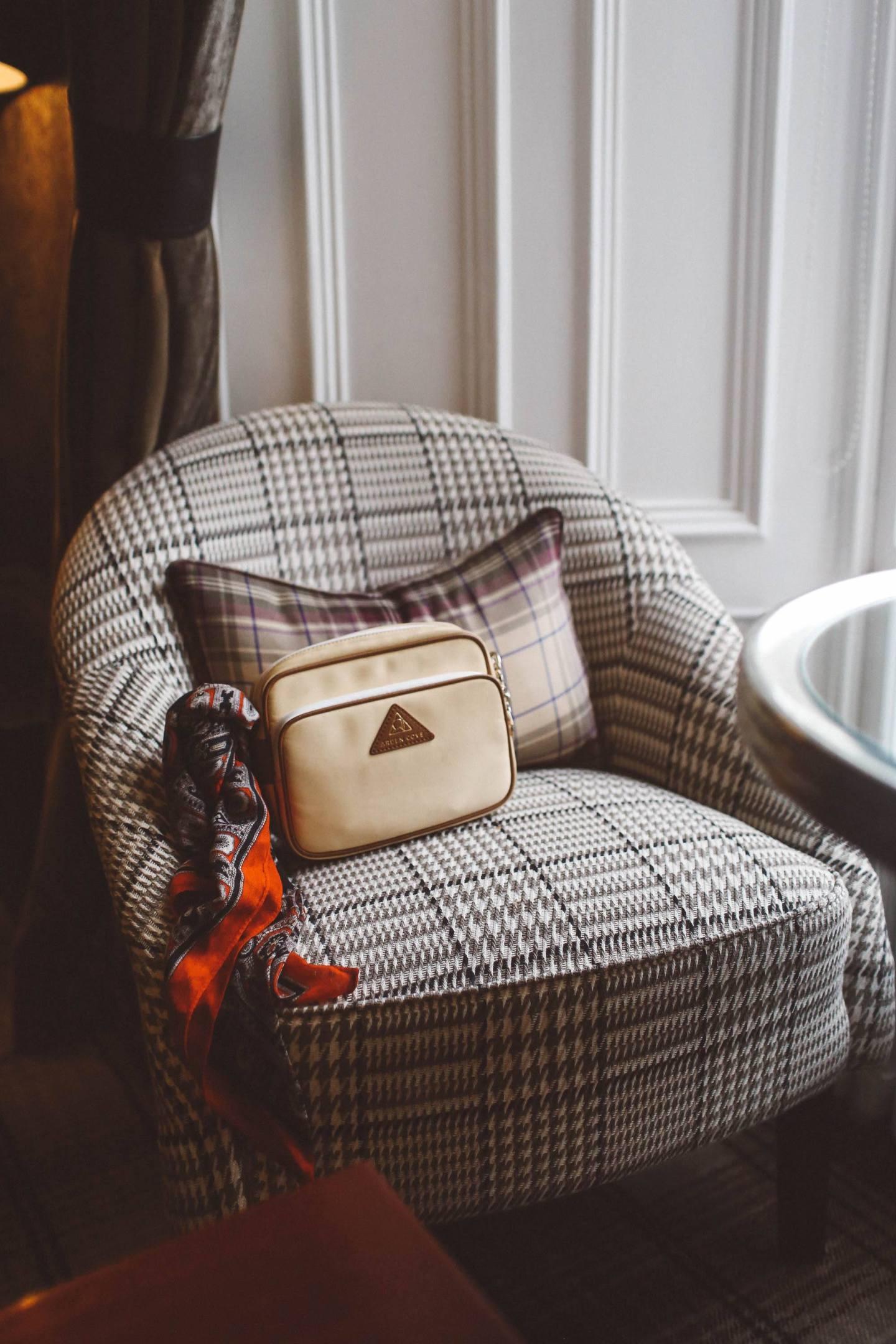 anti-theft travel purse cream