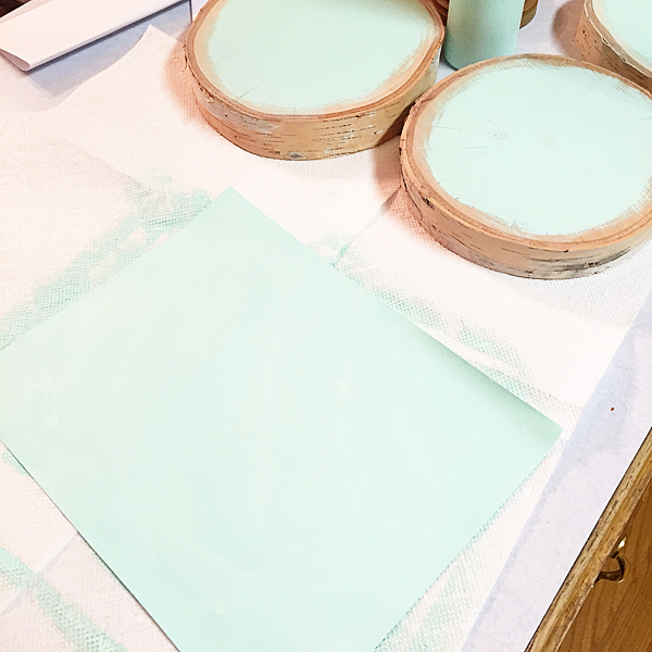 paint-paper-with-BB-Frösch-chalk-paint