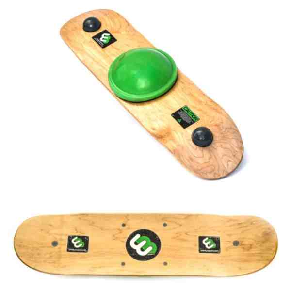 green center ball whirly board with skateboard style grip