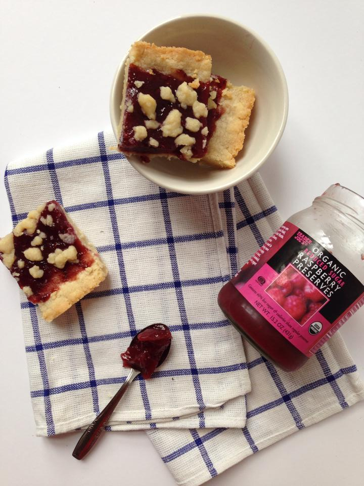 4-Ingredient Vegan Raspberry & Shortbread Jam Bars | Whisk and Shout