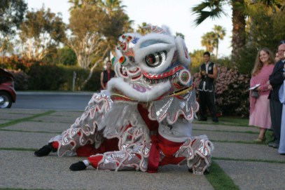 white-dragon-lion-dance-slant