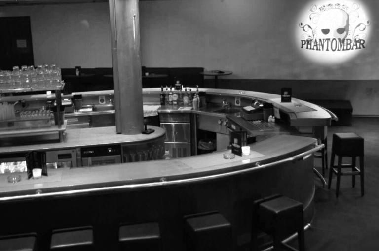 Phantombar Bar seitlich