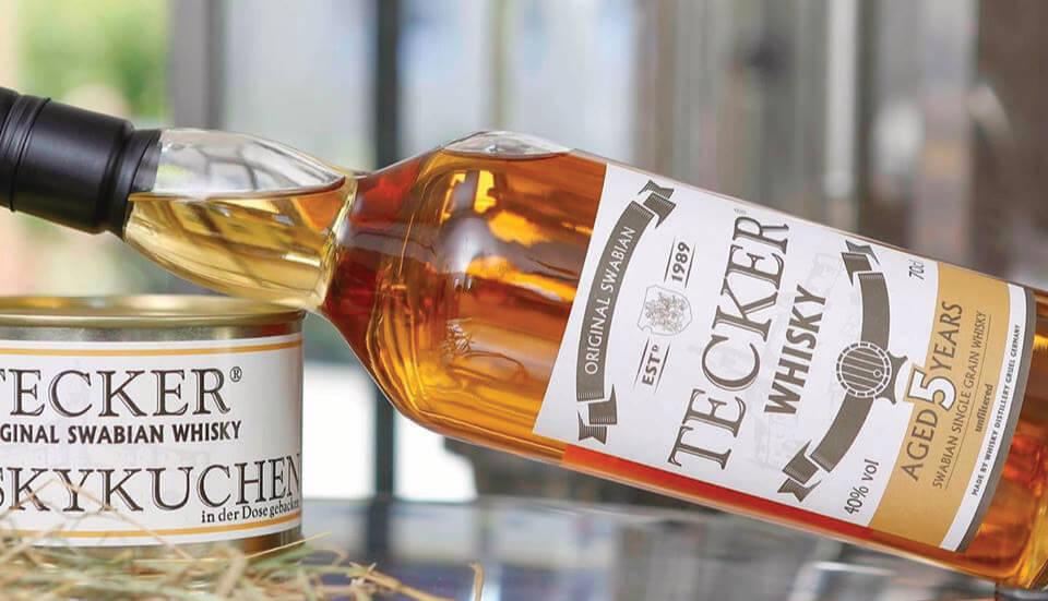 Tecker Whiskey Flasche