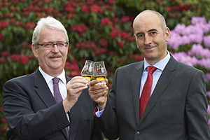 Gordon & MacPhail's Michael Urquhart (L) and Ewen Mackintosh (R). Image courtesy Gordon & MacPhail.