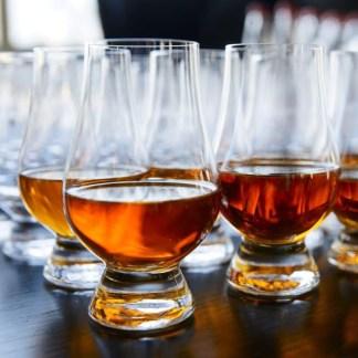 Vasos de degustación para la cata de whisky