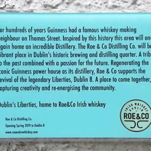 Ein Hinweis auf die alte Roe & Co Destillerie