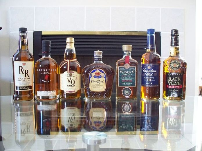 Diverse kanadische Whiskys - Foto von Hammersbach, CC-Lizenz