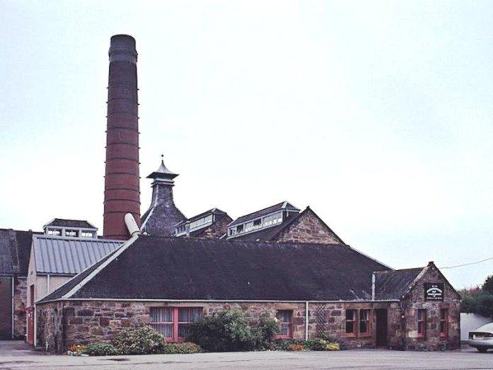 Balblair Destillerie, Foto von K. Schwebke, CC-Lizenz